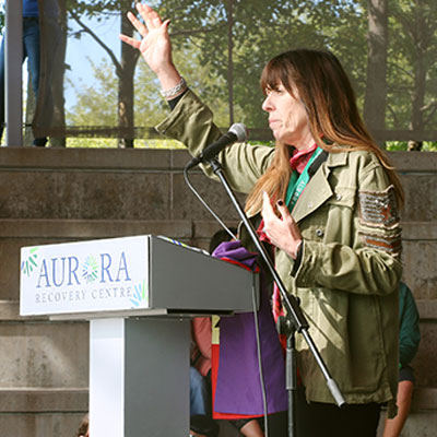 Mackenzie Phillips puts face on addiction, recovery at outdoor festival